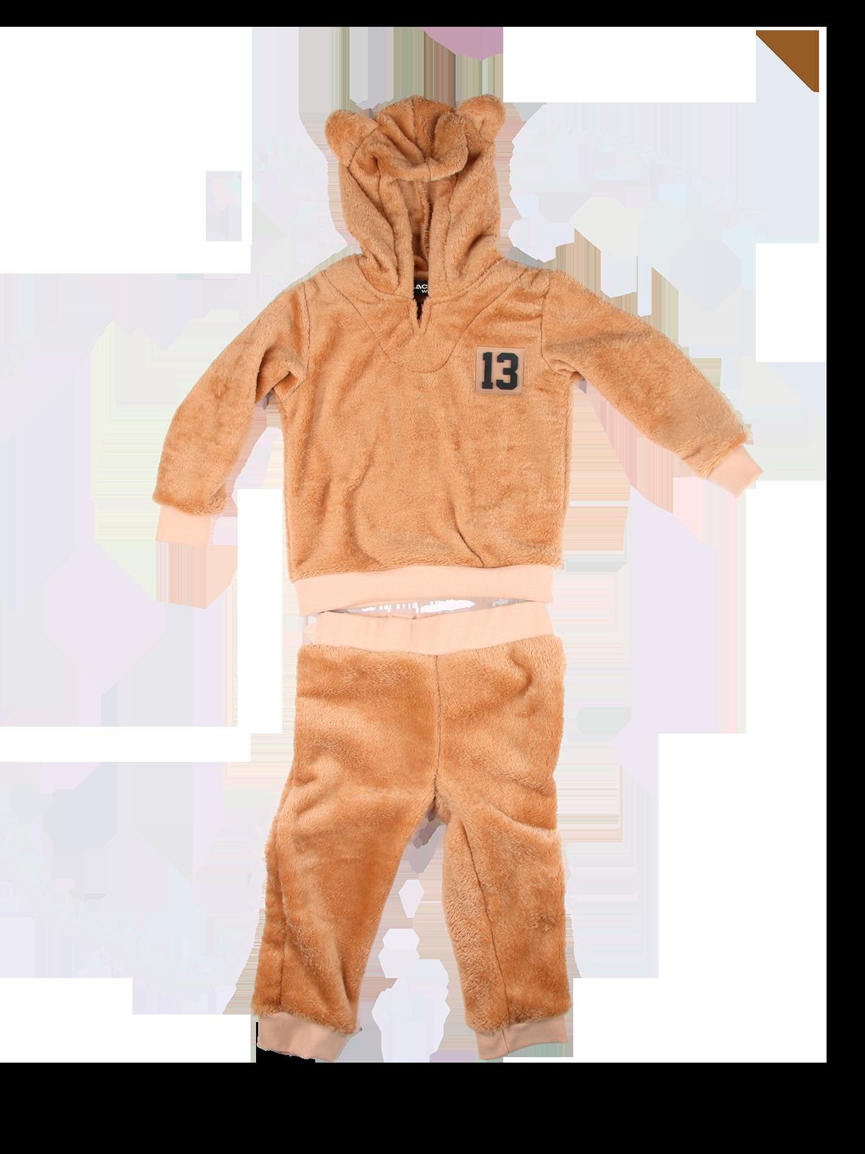 Костюм детский BLACK STAR BEARКостюм детский Black Star Wear. Велюровый костюмчик для самых маленьких медвежат! Нежный и уютный плюш, толстовка с капюшоном, на котором милые медвежьи ушки. Эластичная трикотажная резинка по нижнему краю толстовки и на манжетах. Слева на груди силиконовая нашивка 13. Штаны с широкой эластичной резинкой на поясе и щиколотках. Подходит для детей в возрасте от 1 до 3-х лет.<br><br>Размер: 1-2 years<br>Цвет: Бежевый<br>Пол: Унисекс