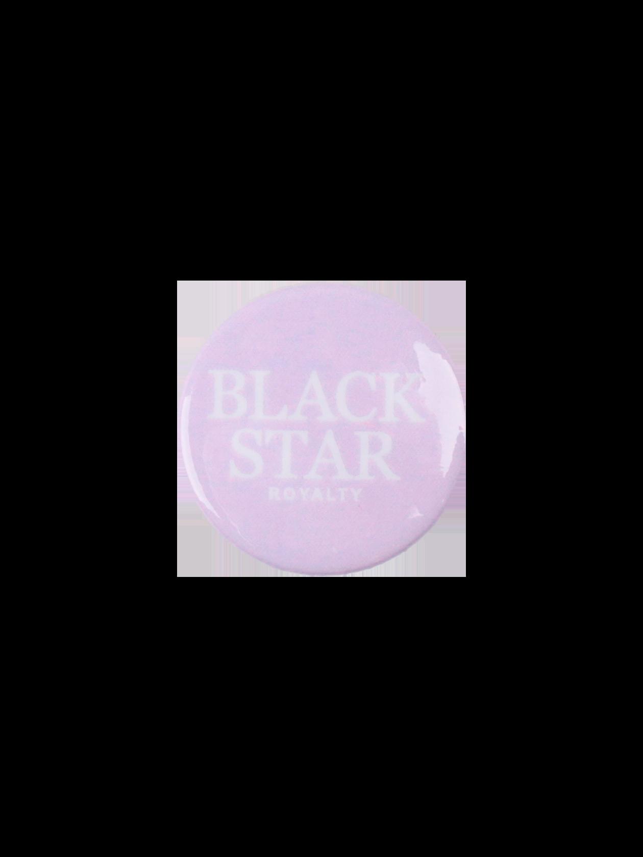 Значок ROYALTY BLACK STARЯркий, стильный значок Royalty Black Star поможет при создании индивидуального лука. Модель идеально подойдет к спортивной и повседневной одежде, сумкам. Аксессуар выполнен из прочного материала с глянцевым покрытием, застегивается на английскую булавку. Изделие небольшой круглой формы с надписью «Black Star Royalty». Значок представлен в трех цветах – ментоловом, черном и розовом. Может использоваться в качестве оригинального подарка.<br><br>Размер: Единый размер<br>Цвет: Сиреневый<br>Пол: Унисекс