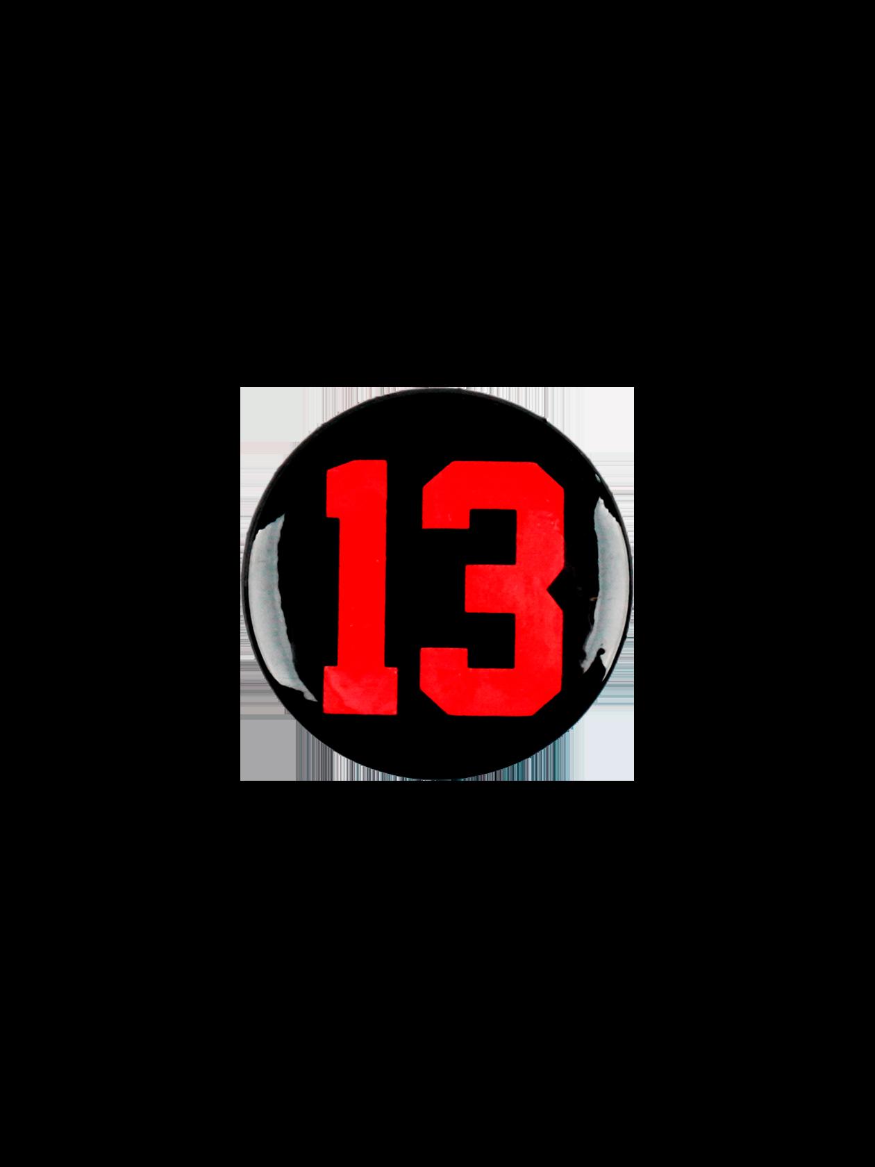 Значок ROYALTY 13Стильный значок Royalty 13 поможет всегда быть в тренде. Аксессуар из коллекции Black Star Wear подходит для одежды спортивного и повседневного типа. Модель круглой формы изготовлена из практичного материала с глянцевым покрытием. Значок представлен в черном цвете, дополнен ярким принтом с цифрой 13. Для надежной фиксации изделия предусмотрена застежка – английская булавка.<br><br>Размер: Единый размер<br>Цвет: Красный<br>Пол: Унисекс
