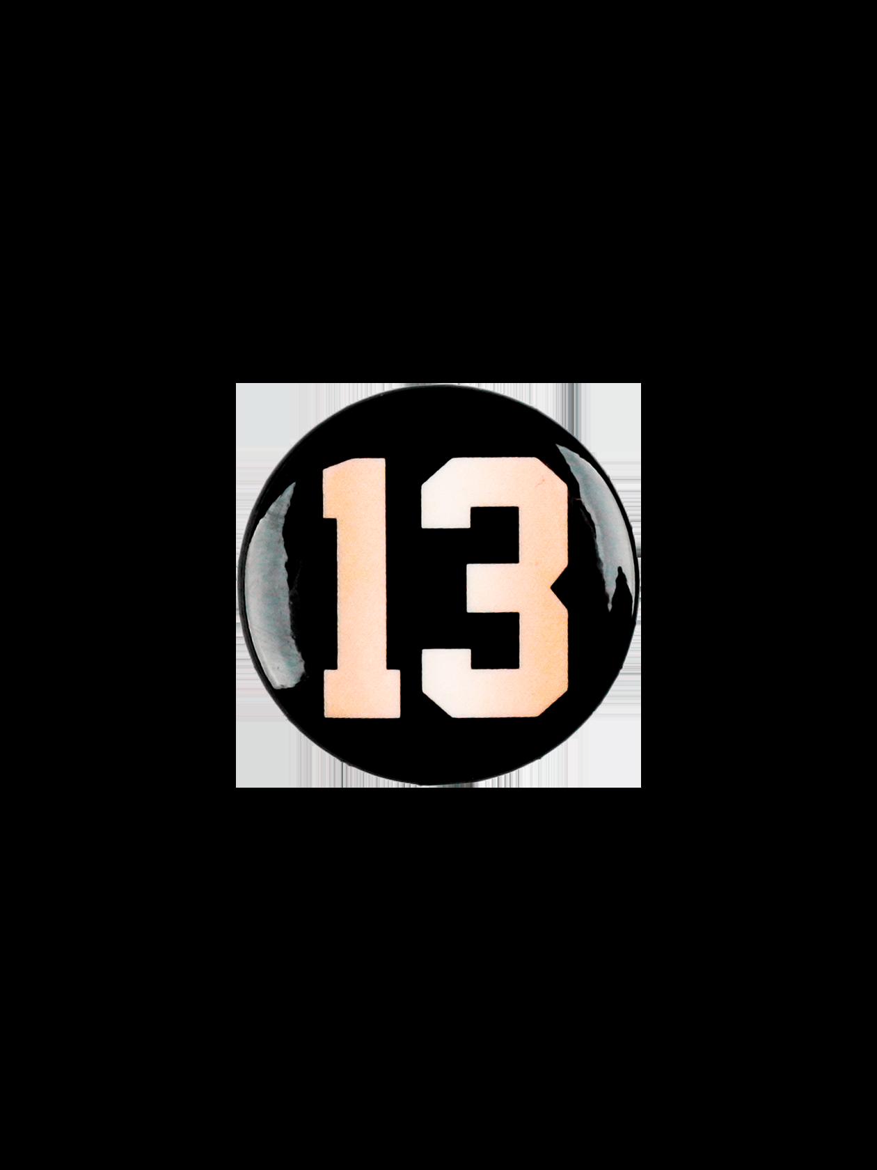 Значок ROYALTY 13Стильный значок Royalty 13 поможет всегда быть в тренде. Аксессуар из коллекции Black Star Wear подходит для одежды спортивного и повседневного типа. Модель круглой формы изготовлена из практичного материала с глянцевым покрытием. Значок представлен в черном цвете, дополнен ярким принтом с цифрой 13. Для надежной фиксации изделия предусмотрена застежка – английская булавка.<br><br>Размер: Единый размер<br>Цвет: Черный<br>Пол: Унисекс