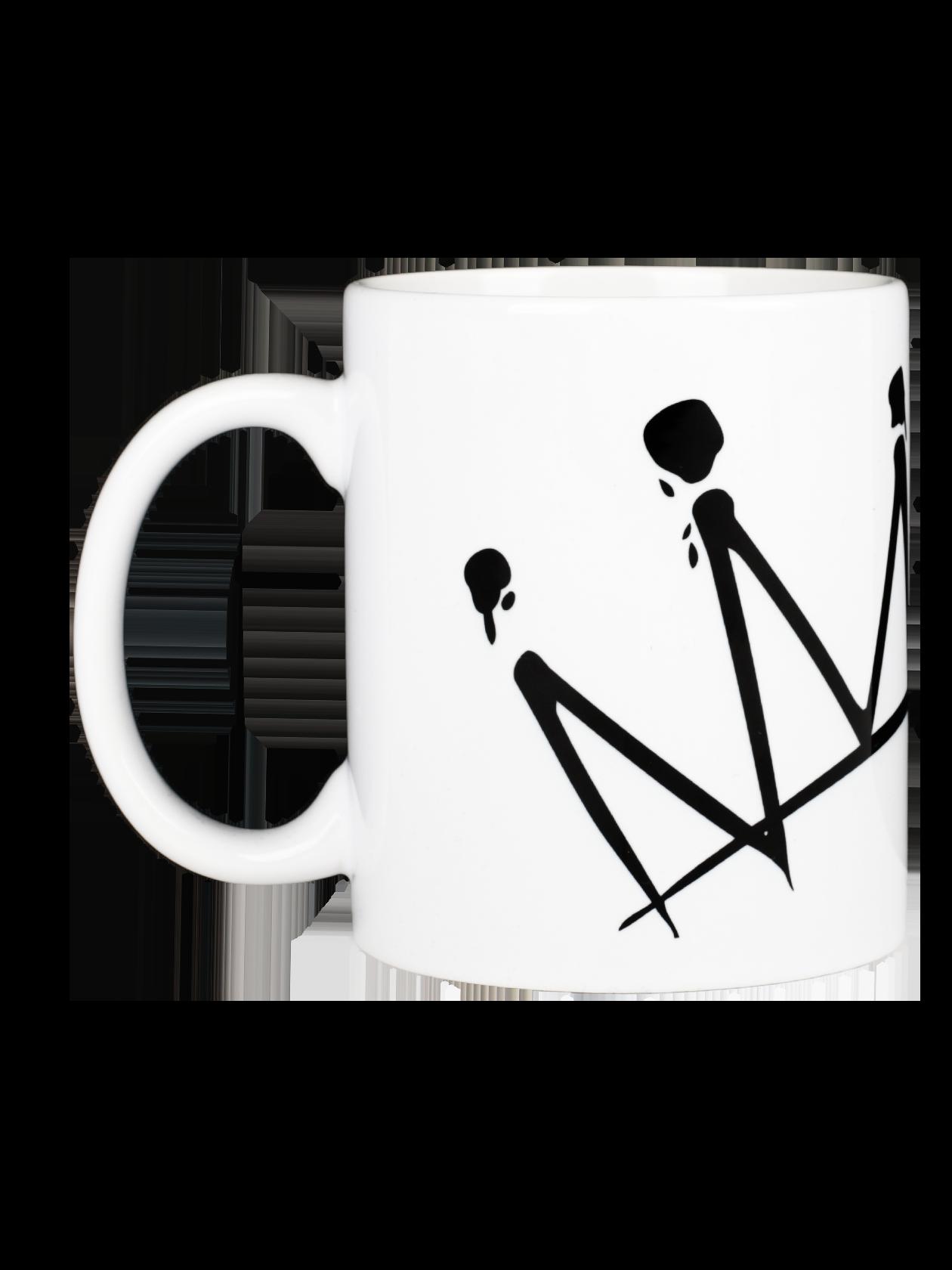 Кружка CROWN BY MOTЭффектная кружка Crown by Mot из мерча популярного артиста Мота – идеальный аксессуар для создания отличного настроения с утра. Посуда внутри и снаружи выполнена в черном цвете из высококачественного керамического материала. Дизайн дополнен стильным принтом с короной и надписью «by Mot». Кружка может использоваться в качестве оригинального подарка для родных и друзей на любой случай.<br><br>Размер: Единый размер<br>Цвет: Белый<br>Пол: Унисекс