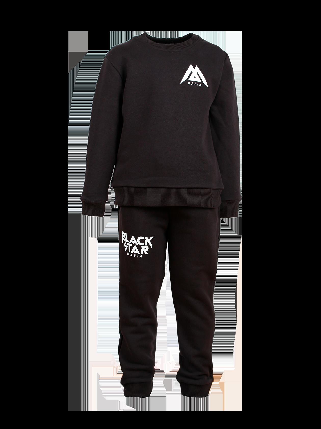 Костюм спортивный детский BLACK STAR MAFIA 2.0Детский спортивный костюм BLACK STAR MAFIA 2.0 в черном цвете – незаменимая вещь для прогулок и активных занятий. Модель сшита из бленда натурального хлопка с небольшим содержанием эластичного материала, за счет чего она обладает высокой практичностью и носкостью. Верх представлен свитшотом прямого кроя с длиной до бедер, брюки сужаются к низу. Низ рукавов, пояс толстовки и штанов отделаны эластичной резинкой, идеально фиксирующей изделие на теле. Контрастные нашивки Black Star Mafia на груди и правом бедре – стильный элемент дизайна.<br><br>Размер: 5-6 years<br>Цвет: Черный<br>Пол: Унисекс