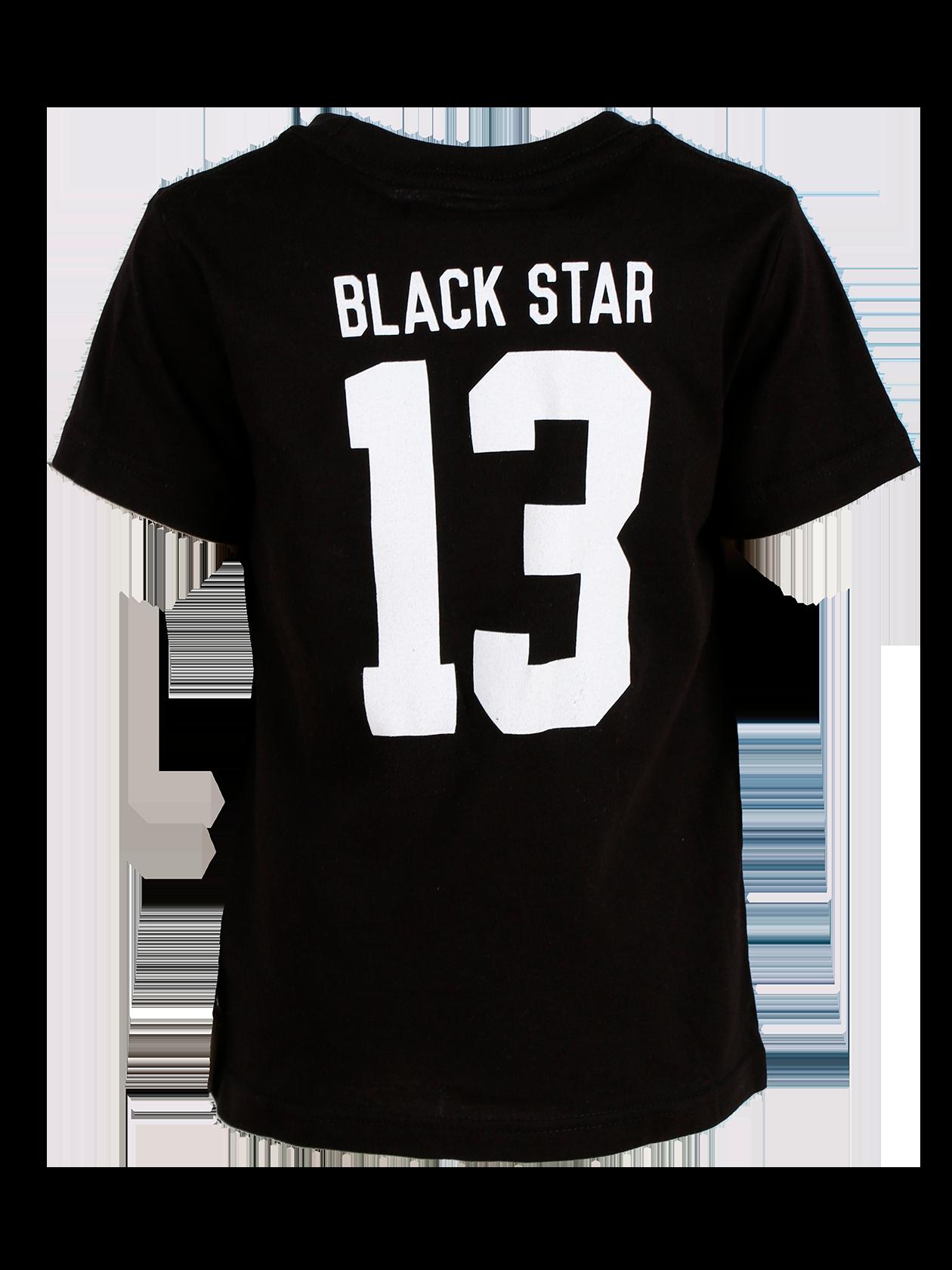 Футболка детская BLACK STAR 13Футболка детская Black Star 13 из новой линии одежды Basic – идеальное сочетание стиля, удобства и комфорта для активных непосед. Базовая модель белого цвета сшита из натурального премиального хлопка. Лаконичный дизайн, прямой свободный крой, укороченный рукав. На спине крупный принт в виде надписи Black Star 13. Внутри на горловине жаккардовый лейбл с логотипом бренда. Специальная цена вас приятно удивит.<br><br>Размер: 5-6 years<br>Цвет: Черный<br>Пол: Унисекс