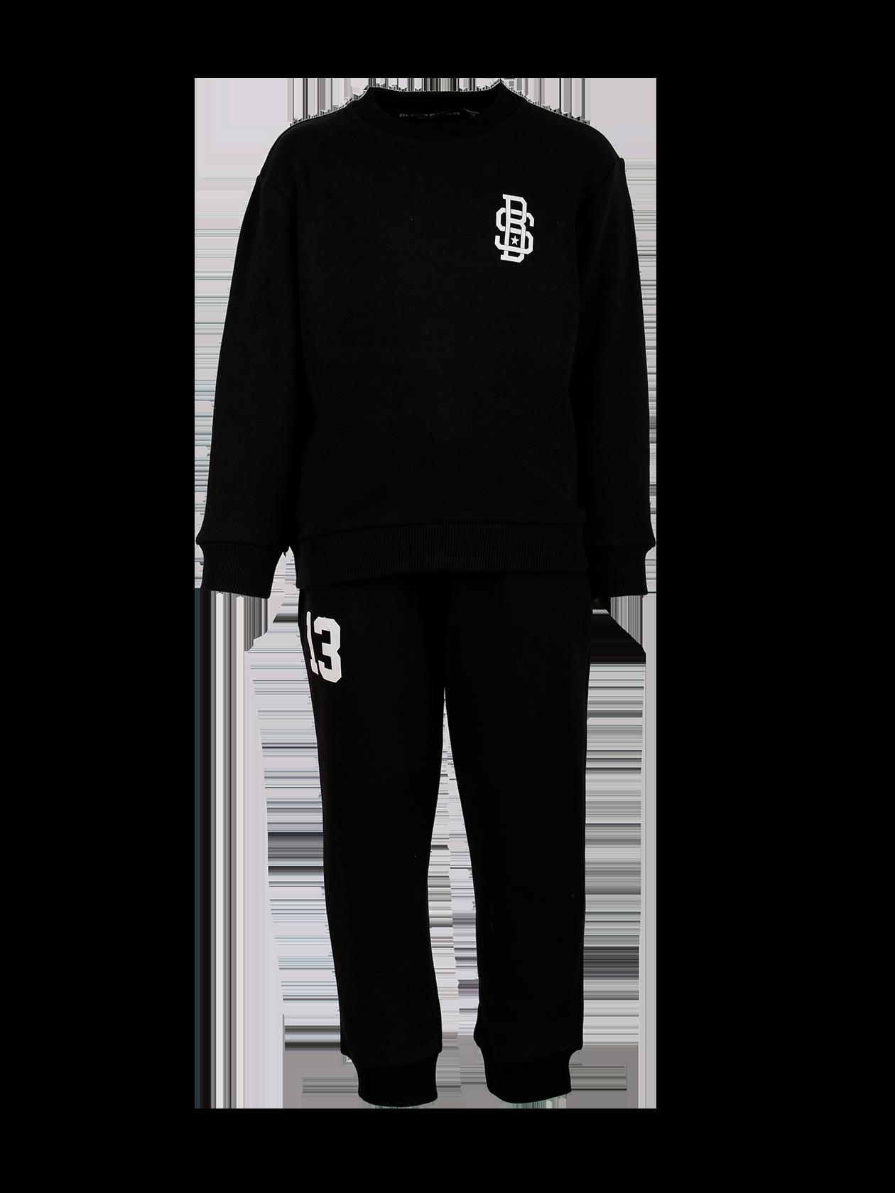Костюм спортивный подростковый 13Стильный костюм спортивный подростковый 13 из новой линии одежды Basic – идеальное решение на каждый день. Комплект состоит из свитшота и стильных брюк. Модель лаконичного дизайна, полусвободного прямого кроя. Эластичные трикотажные вставки на манжетах и поясе верха и низа обеспечивают удобную посадку вещи по фигуре. Изделие сшито из первоклассного футера мягкой фактуры в черном цвете. На груди и правой штанине нашивки BS и цифра 13. Цена стала до 25% привлекательнее.<br><br>Размер: 12-14 years<br>Цвет: Черный<br>Пол: Унисекс