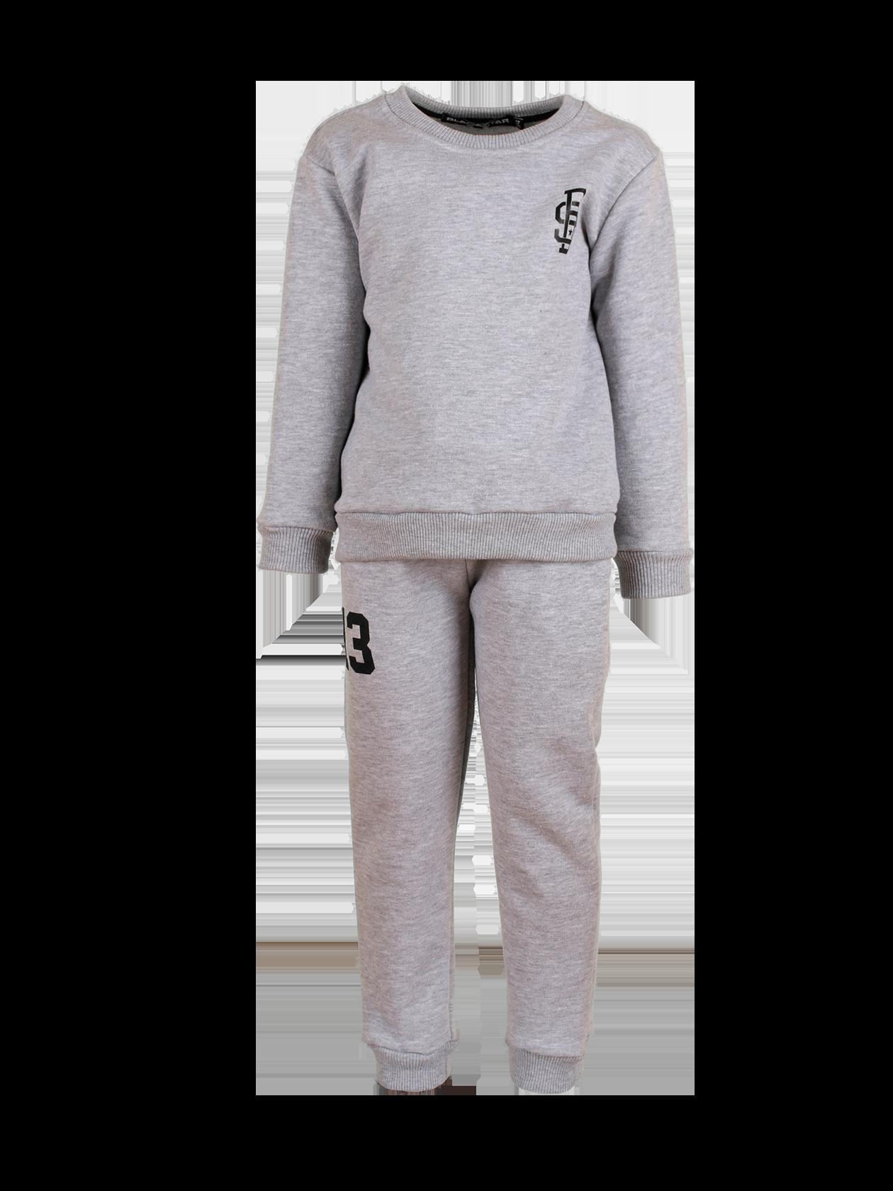 Костюм спортивный подростковый 13Стильный костюм спортивный подростковый 13 из новой линии одежды Basic – идеальное решение на каждый день. Комплект состоит из свитшота и стильных брюк. Модель лаконичного дизайна, полусвободного прямого кроя. Эластичные трикотажные вставки на манжетах и поясе верха и низа обеспечивают удобную посадку вещи по фигуре. Изделие сшито из первоклассного футера мягкой фактуры в черном цвете. На груди и правой штанине нашивки BS и цифра 13. Цена стала до 25% привлекательнее.<br><br>Размер: 12-14 years<br>Цвет: Серый меланж<br>Пол: Унисекс