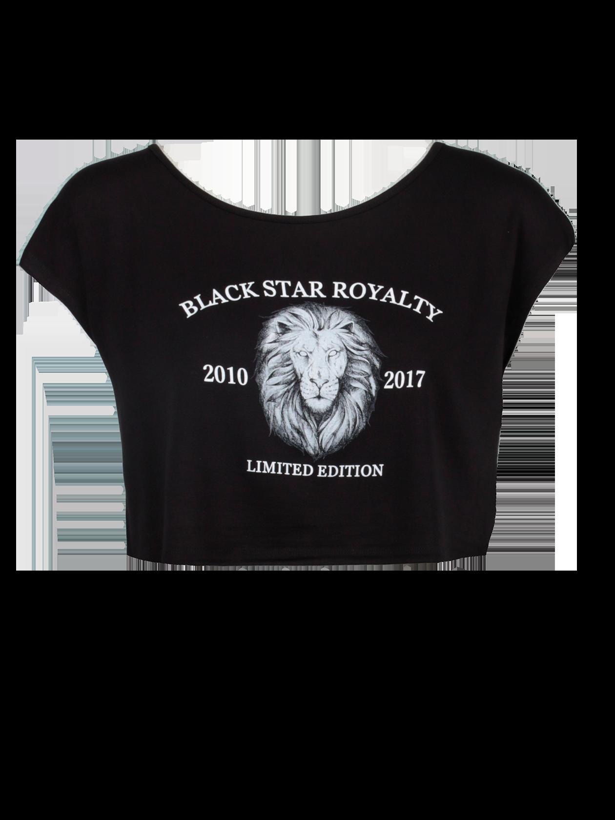 Футболка женская LIMITED ROYALTYМодная футболка женская Limited Royalty из коллекции Black Star Wear поможет в создании стильного образа на каждый день. Модель укороченного силуэта, свободного кроя. Горловина средней глубины, округлой формы, внутри жаккардовый лейбл Black Star Wear. Рукав короткий, цельнокройный. Спереди принт с головой льва в центре круга и надпись в стилистике бренда. Премиальный хлопок обеспечивает высокую износостойкость и практичность вещи. Футболка доступна в двух цветовых вариантах – белом и черном.<br><br>Размер: M<br>Цвет: Черный<br>Пол: Женский